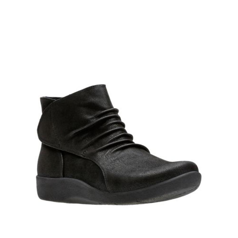 Clarks Women's Sillian Sway Boots BLACK