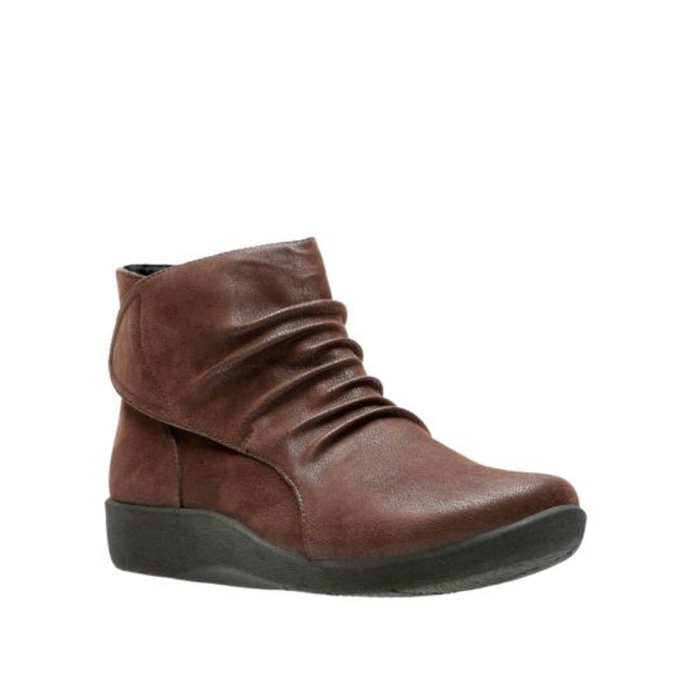 Clarks Women's Sillian Sway Boots BROWN