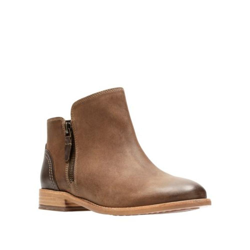 Clarks Women's Maypearl Juno Ankle Boots BROWN