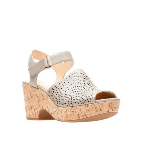 Clarks Women's Maritsa Nila Sandals Sand