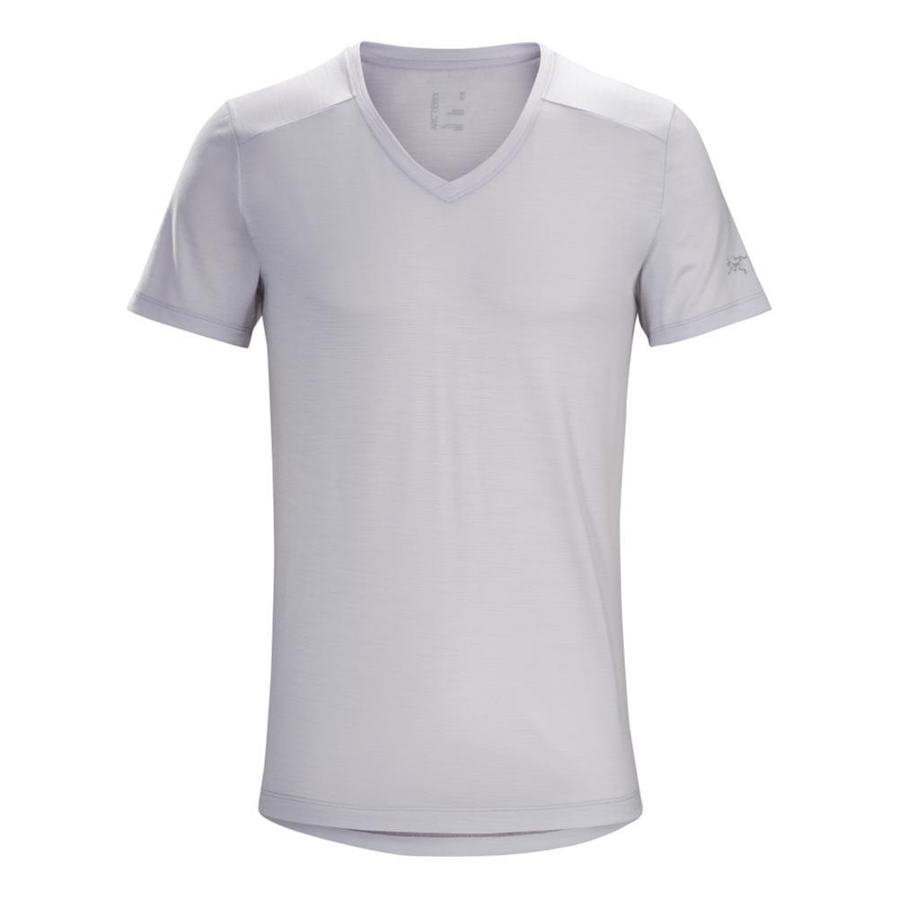 Arc'teryx Men's A2B Short Sleeve V-Neck Shirt DELOSGREY