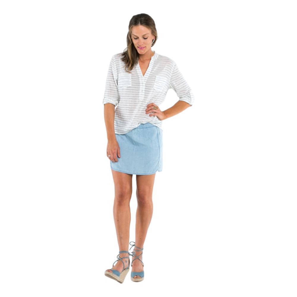 Carve Designs Women's Dylan Gauze Long Sleeve Shirt WHTWATRSTP