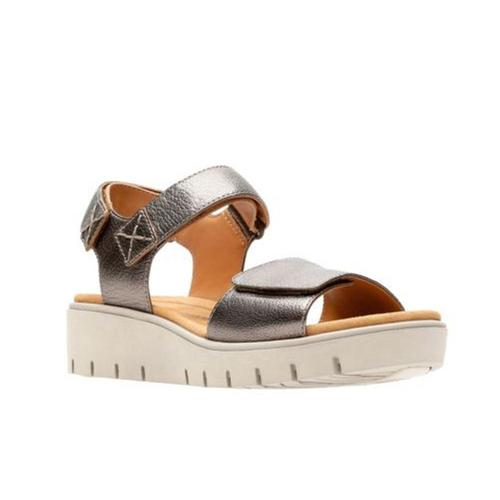 Clarks Women's Un Karely Bay Wedge Sandals