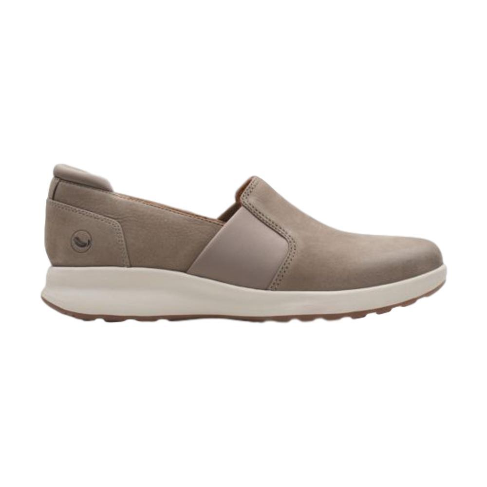 Clarks Women's Un Adorn Step Shoes TAUPENBK